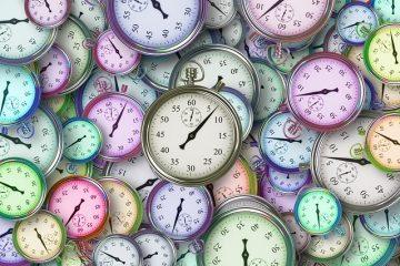 tientallen gekleurde analoge stopwatches